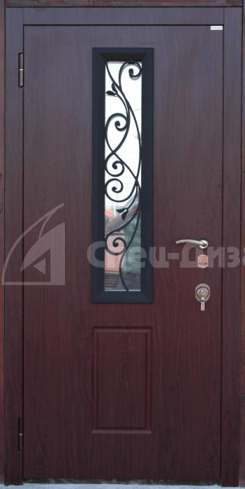дверь входная со стеклопакетом и оригинальным дизайном